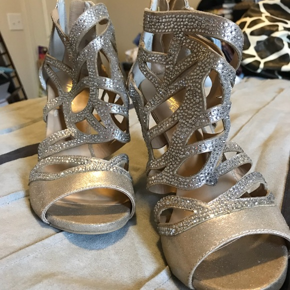 Thalia Sodi Shoes - Gold dressy heels with sparkle clear accents